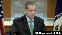 Wakil juru bicara Departemen Luar Negeri AS, Mark Toner memberikan keterangan kepada media (foto: dok).