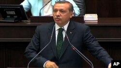 Perdana Menteri Turki Recep Tayyip Erdogan hari Rabu (12/6) bertemu beberapa perwakilan demonstran anti pemerintah di Istanbul.