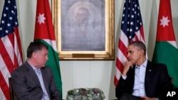 "Presiden Barack Obama (kanan) bertemu dengan Raja Yordania Abdullah II di tempat peristirahatan ""The Annenberg Retreat"" Sunnylands, Rancho Mirage, California (14/2)."