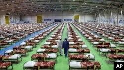 Iranska vojska napravila je privremenu bolnicu sa 2.000 kreveta za pacijente obolelle od COVID-19 u sajamskom prostoru u Teheranu.