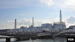 Reaktor Nomor 1 yang rusak parah di kompleks PLTN Fukushima Daiichi di Okuma, Fukushima.
