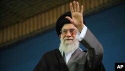 El ayatolá Ali Khamenei dijo que si Irán es atacado la República Islámica arrasará las ciudades de Tel Aviv y Haifa.