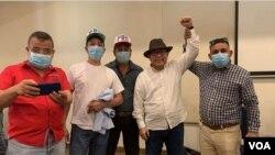 Miembros del Partido de Restauración Democrática (PRD) Nicaragua junto a Miguel Mora, quien era su precandidato para la presidencia. Foto Daliana Ocaña, VOA.