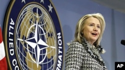 지난 3일 버지니아 노포크 나토 수송합참본부에서 연설하는 힐러리 클린턴 미 국무장관.