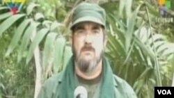 El líder del grupo guerrillero, conocido como 'Timochenko' emitió un comunicado dirigido al mandatario colombiano, Juan Manuel Santos.