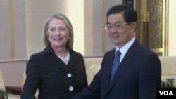 美國國務卿希拉裡.克林頓與中國國家主席胡錦濤將會在亞太經合組織首腦峰會上再度會面。(資料圖片)