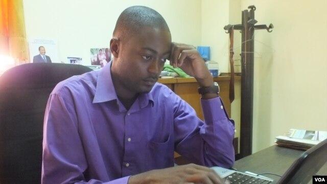 Inventor Arthur Zang in his office in Yaounde, Cameroon. (Moki Edwin Kindzeka/VOA)