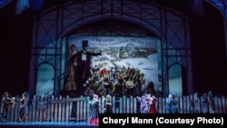 Choreographer Christopher Wheeldon set the Joffrey Ballet's Nutcracker in Chicago, as the city prepares for the opening of the 1893 World's Fair.