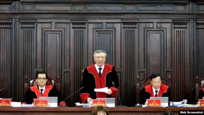 Chánh án Nguyễn Hòa Bình trong phiên giám đốc thẩm Hồ Duy Hải, ngày 5/5/2020. Photo PLO