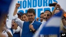 El Tribunal Supremo Electoral (TSE) ratificó el resultado final de la votación en el que Hernández, obtuvo un 42.95% de los sufragios frente a un 41.42 % del opositor Salvador Nasralla.