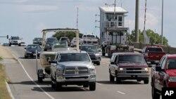 Warga AS di North Carolina diperintahkan untuk meninggalkan kawasan yang terancam badai Florence, hari Selasa (11/9).