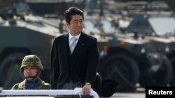 日本首相安倍晋三定于星期四会见美国当选总统川普。
