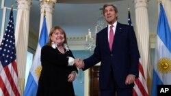 En los próximos días EE.UU. y Argentina firmarán el histórico acuerdo anunciado por el presidente Barack Obama sobre la desclasificación en EE.UU. de archivos secretos militares y de inteligencia relacionados con el golpe militar de 1976 en la nación latinoamericana.