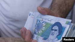 ارزش برابری ریال در برابر ارزهای خارجی کاهش یافته است
