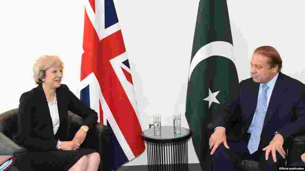 وزیر اعظم نواز شریف نے نیو یارک میں برطانوی ہم منصب ٹریسامے سے بھی ملاقات کی جس میں انھیں کشمیر کی بگڑتی ہوئی صورتحال سے آگاہ کیا گیا۔