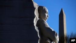 Peykera rêzgirtina Martin Luther King li Washingtonê