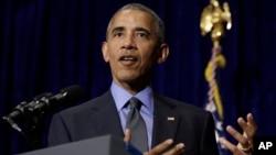 바락 오바마 미국 대통령이 지난 8일 아세안 정상회의 참석차 방문한 라오스 비엔티안에서 기자회견을 갖고, 북한을 포함한 미국의 아시아 정책 등에 관해 밝히고 있다.