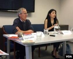 瓦瑟斯特朗姆和、《紐約客》雜誌駐社作家樊嘉揚參加美中關係全國委員會《在習近平和川普時代看中國和美國》研討會 (美國之音方冰拍攝)