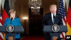 Nemačka kancelarka Angela Merkel i predsednik Donald Tramp na konferenciji za novinare u Beloj kući