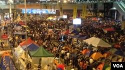 示威者不满港府学联对话成果继续占领