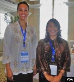 Direktur Program Pendidikan USAID, Margaret Sancho (kiri) dan Dr. Femmy Eka Kartika Putri dari Kemenko Kesra.