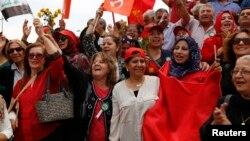 Magoya bayan jam'iyyar Komunis, a Iraqi.