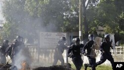 Confrontos entre manifestantes da oposição e a polícia antecederam a segunda volta das presidenciais