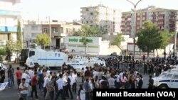 Öcalan Yürüyüşüne Polis Engeli