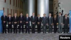 各国参加谈判跨太平洋贸易伙伴协议的贸易部长们在美国乔治亚州亚特兰大市合影(2015年10月1日)