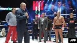 Путин, смешанные единоборства и окровавленный «Снеговик»