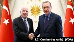 Джон Маккейн встретился с президентом Турции Реджепом Тайипом Эрдоганом