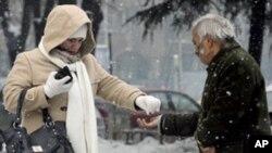 Нови жртви на снежното невреме во Македонија