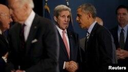 آسوشیتدپرس حکم صادر از سوی اوباما برای جان کری را نشانه ای از اجرای نزدیک برجام عنوان کرده است.