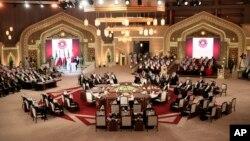 Fors ko'rfazi davlatlari yig'inidan, Doxa, Qatar, 9-dekabr, 2014-yil.