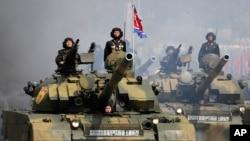 2017年4月15日朝鲜平壤金日成广场阅兵式 (资料照片)