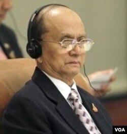 Perdana Menteri Birma, Thein Sein menghadiri KTT ASEAN di Hanoi.