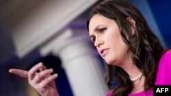 Sarah Huckabee Sanders, portavoz de la Casa Blanca, dice que el proyecto de ley de presupuesto tiene el apoyo del presidente Donald Trump.