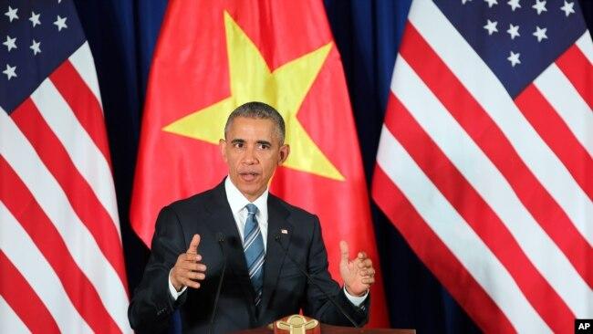 Tổng thống Barack Obama dỡ bỏ lệnh cấm bán vũ khí sát thương củ Mỹ cho Việt Nam trong chuyến thăm Hà Nội vào tháng 5 năm ngoái. Kể từ đó chưa có thương vụ mua bán vũ khí nào được chính phủ 2 bên công bố.