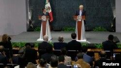 Le candidat républicain à la Maison Blanche Donald Trump et le président mexicain Enrique Peña Nieto donne une conférence de presse à Mexico, Mexique, le 31 août 2016.