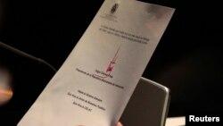 Esta es la carta que leyó Nicolás Maduro en la Cumbre Celac-UE. La firma de Chávez con tinta roja.