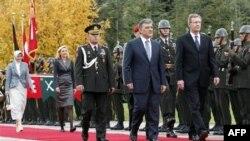 Almanlar Cumhurbaşkanının Görevde Kalmasından Yana
