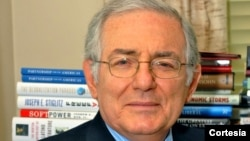 El economista internacional, Isaac Cohen, dijo en entrevista con la Voz de América, que el desempleo y la inflanción son factores que deben tomarse en cuenta.
