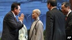 中国海协会会长陈云林2008年访问台北时拜会证严法师