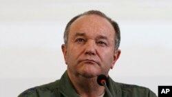 """Europa enfrenta el resurgimiento de una agresiva Rusia y por el Sur del Levante a través del Norte de África, Europa enfrenta el difícil desafío de las migraciones generadas por estados de inestabilidad y colapso"""" dijo a la comisión de Servicios Armados del Senado el general Philip Breedlove."""