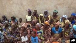 Perempuan dan anak-anak korban kekerasan Boko Haram.