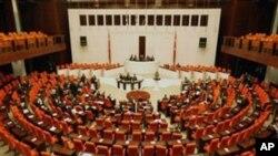 ترکی: حزب اختلاف کا حلف اٹھانے سے انکار