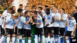 این اولین بار است که تیم ملی فوتبال آلمان، قهرمان کنفدراسیون فیفا شده است