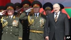 Александр Лукашенко на военном параде. Минск, Беларусь