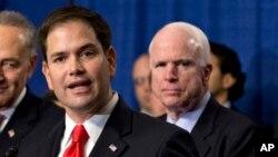 Los senadores Marco Rubio y John MaCain, junto a Lindsey Graham, mandaron una carta al presidente Obama.