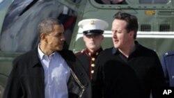 Tổng Thống Obama và Thủ Tướng Anh đáp một chuyến bay trên chuyên cơ của Tổng Thống Mỹ đến thành phố Dayton ở bang Ohio